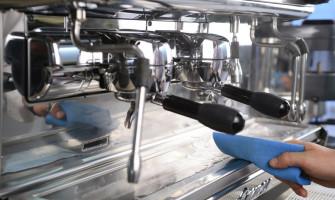 Tīrīšanas līdzekļi kafijas automātiem – teicams veids pagarināt Jūsu kafijas automāta kalpošanas laiku