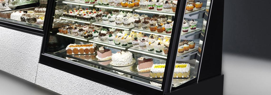 Atklātie konditorejas ledusskapji: mūsdienīga pieeja veikalu un kafejnīcu noformējumam