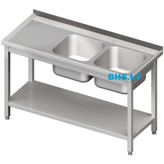 Darba galdi ar izlietnēm un ar baseiniem