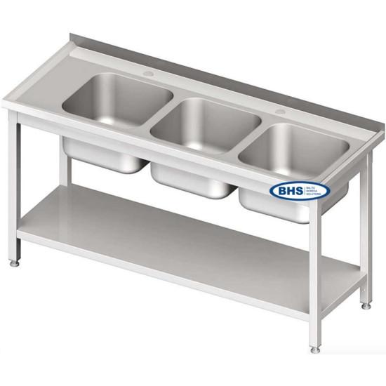 Metāla galdi ar trīs izlietnēm un plauktu